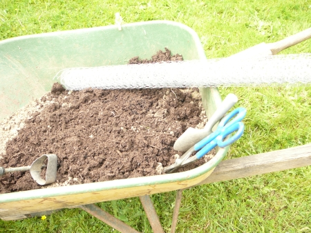 tools and soil mix