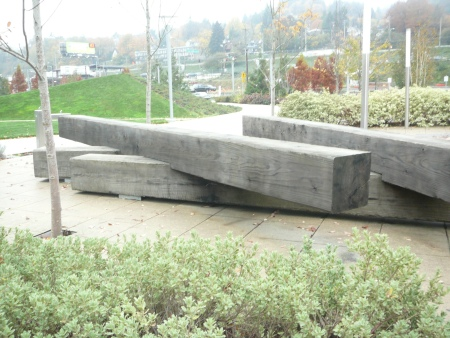 sculpture/bench